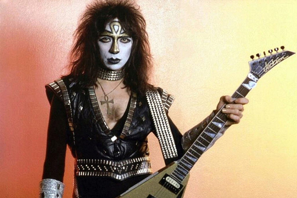 Vinnie Vincent breaks silence and drops a music bomb to his fans
